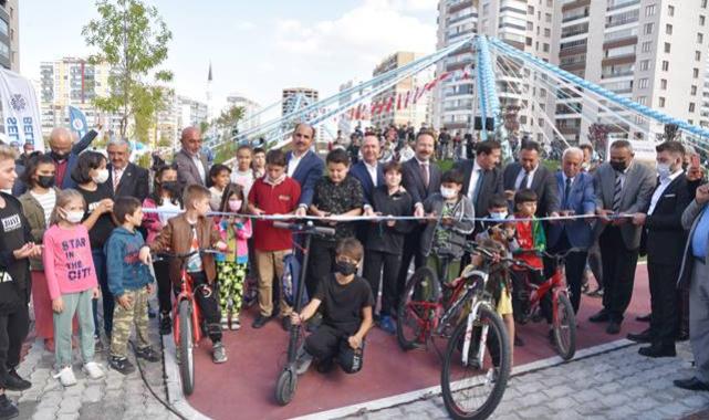 Selçuk bisiklet ve kaykay parkı hizmete açıldı